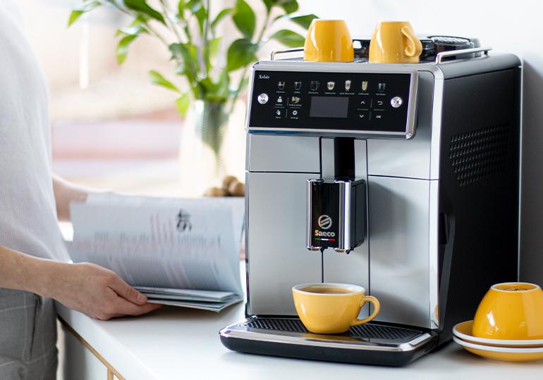 Automātiskie kafijas automāti ar iebūvētām dzirnaviņām