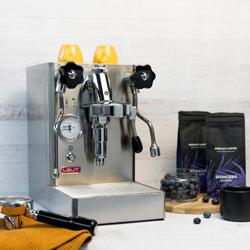 Pusiau automatinis kavos aparatas